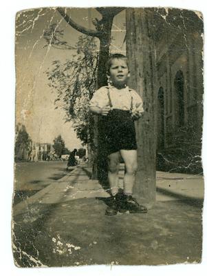 Infancia de 1957.Bogota.1957. Propiedad de Álvaro José Restrepo. Colección Álbum Familiar. MdB-IDPC