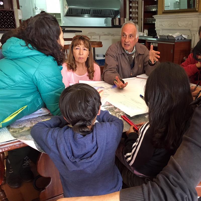 Ciudadanos dan sus ideas para mejorar el Centro Histórico de Bogotá.