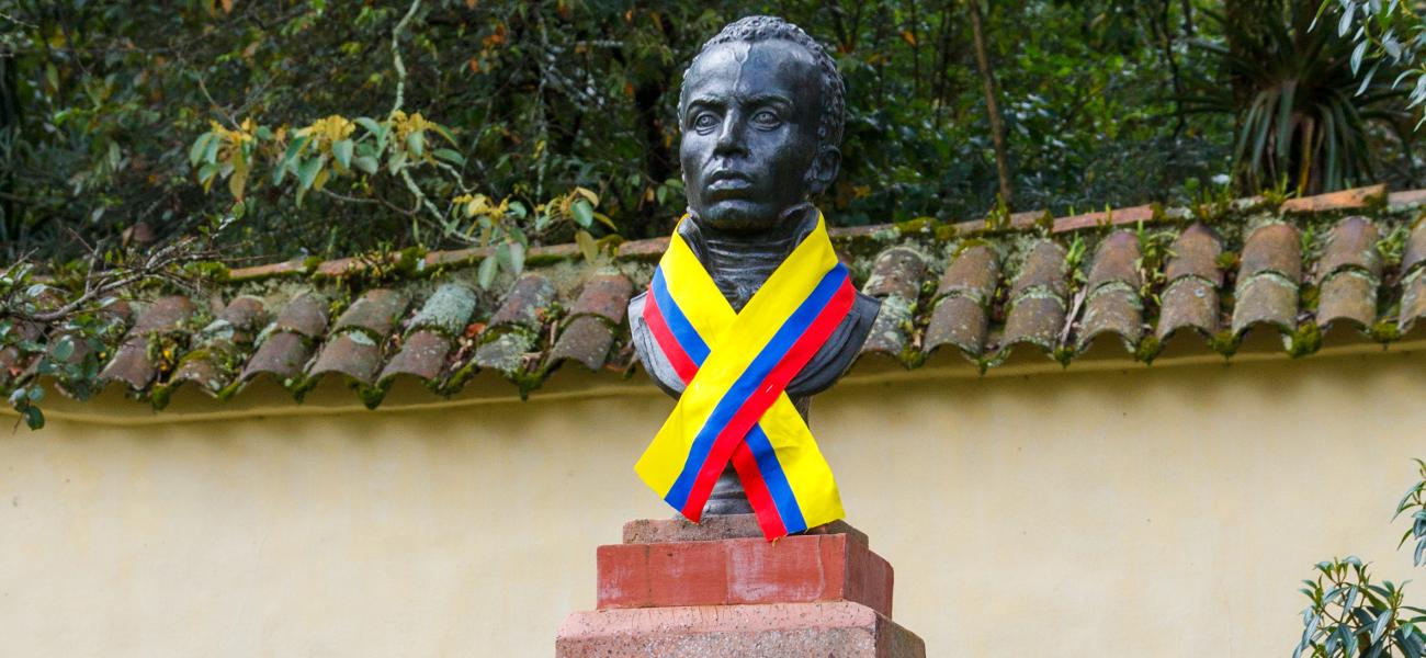 Embajada de Haití adopta los Monumentos  a Simón Bolívar y Alejandro Pétion ubicados frente a las Casa Museo Quinta de Bolívar